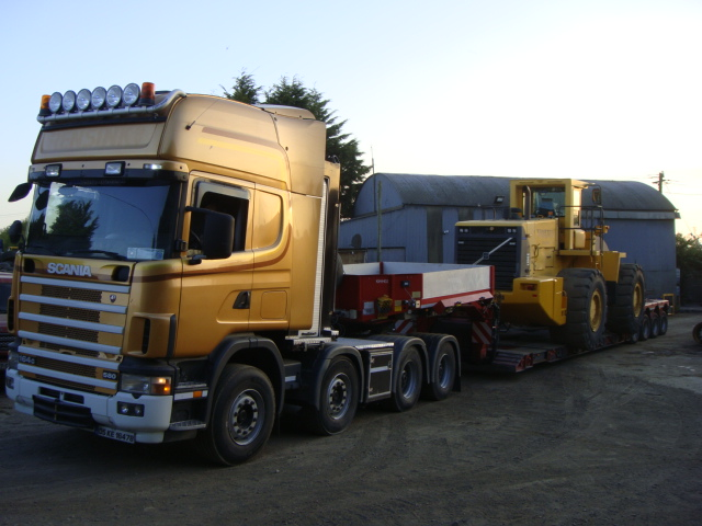 Volvo L330E block handler sold to a customer in Greece