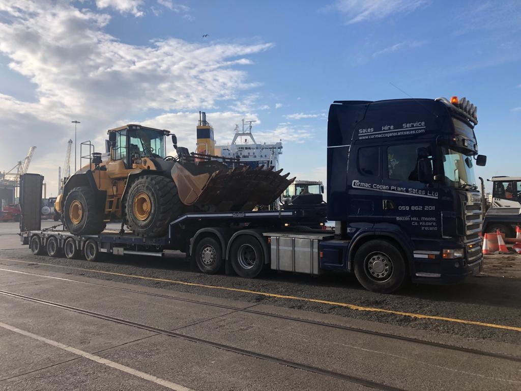 Volvo L220H sold to customer in Portugal